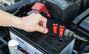 Holiday Travel Safety: 6 Auto Maintenance Tips Before You Hit The Road